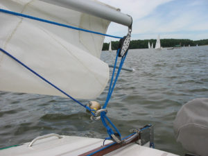 Mainsheet retracter